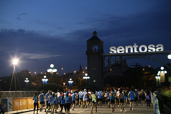 Half Marathoners soaking in the sights and sounds of Sentosa