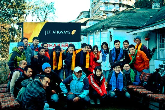 Himalayan porters and SMU students at the presentation event