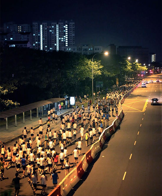 21km and 42km runners pounding the streets of Singapore