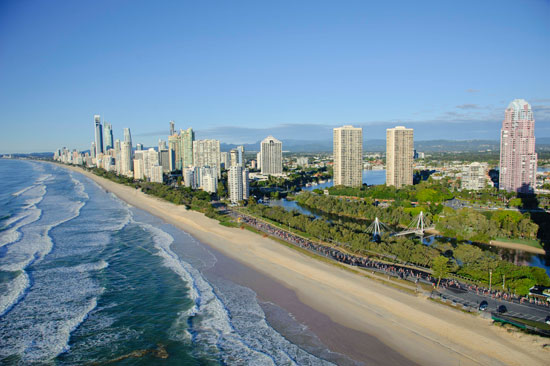 Gold Coast Airport Marathon 2013: Race Along Beautiful Beaches