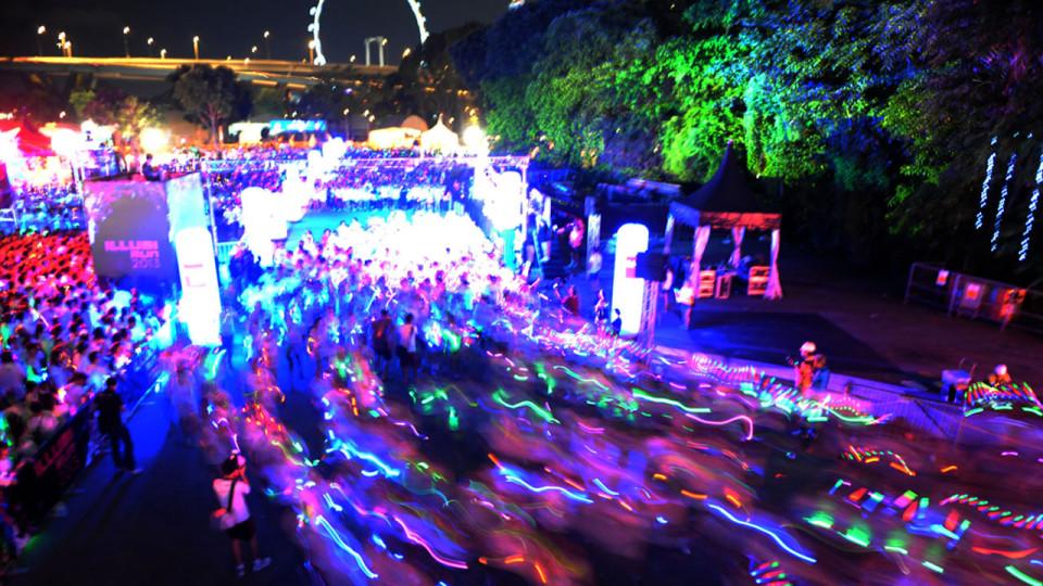 ILLUMI RUN 2013 Delights 10,000 Runners With Fun Vibes