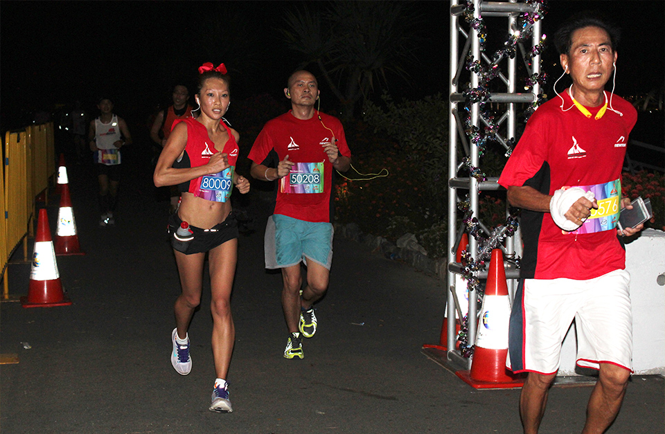 Marina Run 2014: Light Up The Night And Have Fun!