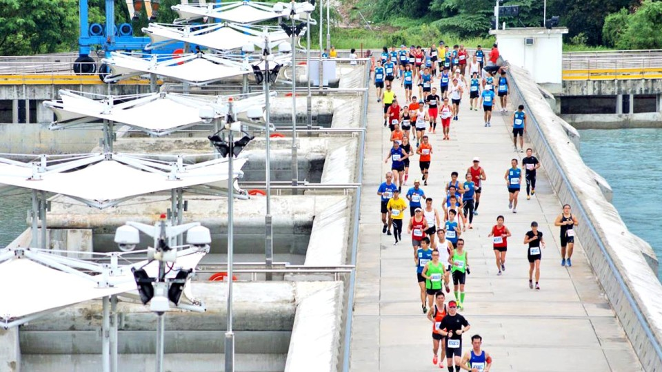 Standard Chartered Marathon Singapore 2014: Special S$1 Entries Up for Grabs at ION Orchard with New Registration Model