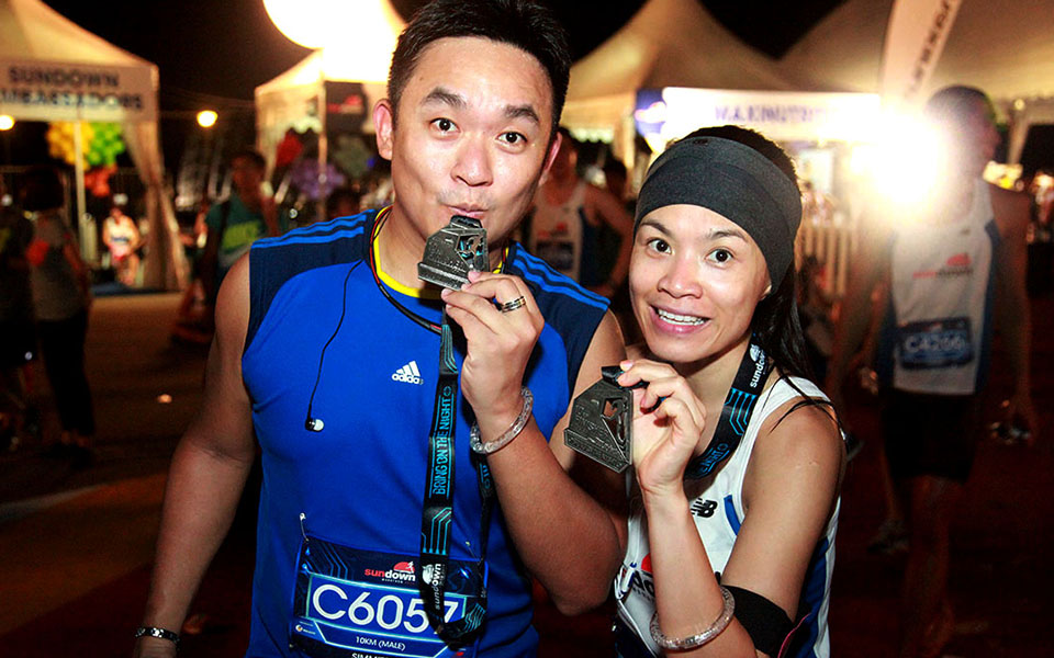 Sundown Marathon Singapore 2014: 30,000 Runners Bring on the Night in Country's Largest Night Marathon