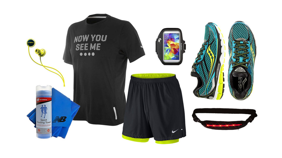 Outfit of the Week: Stay Sleek and Stylish While Running at Night!