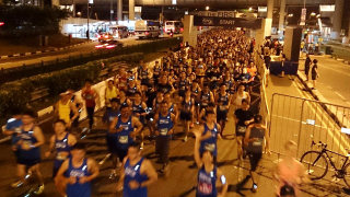 Straits Times Run at the Hub 2014: Over 20,000 Runners Were First to Finish at the Brand-New Singapore Sports Hub!