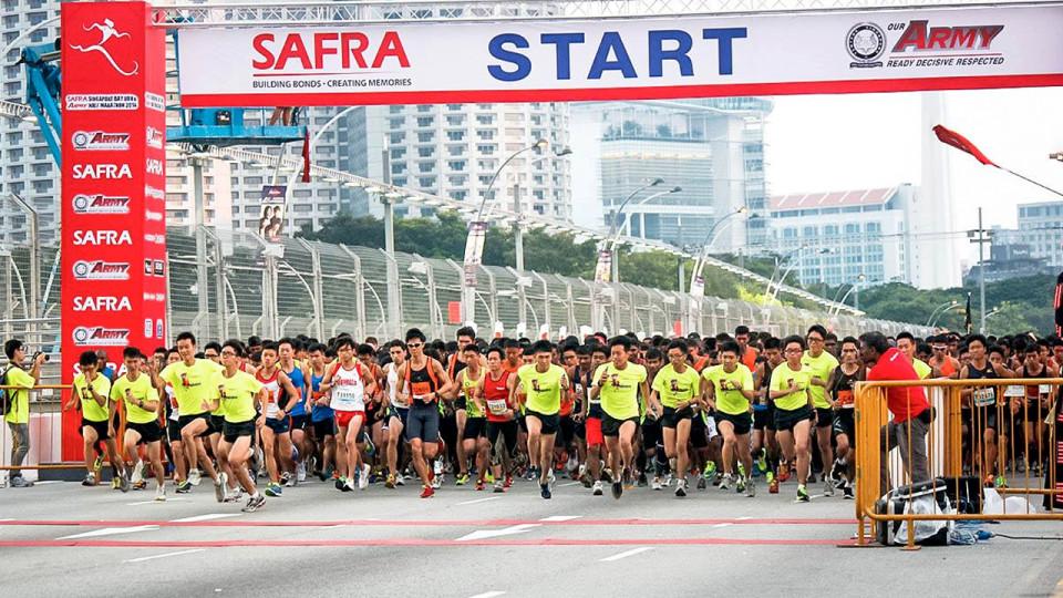 SAFRA Singapore Bay Run & Army Half Marathon 2014: Together We Ran and Heard Our Army Boys ROAR!