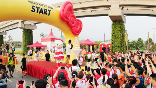 Singapore's First Hello Kitty Run Attracts 17,000 Participants with Fun, Rain and Some Criticisms!