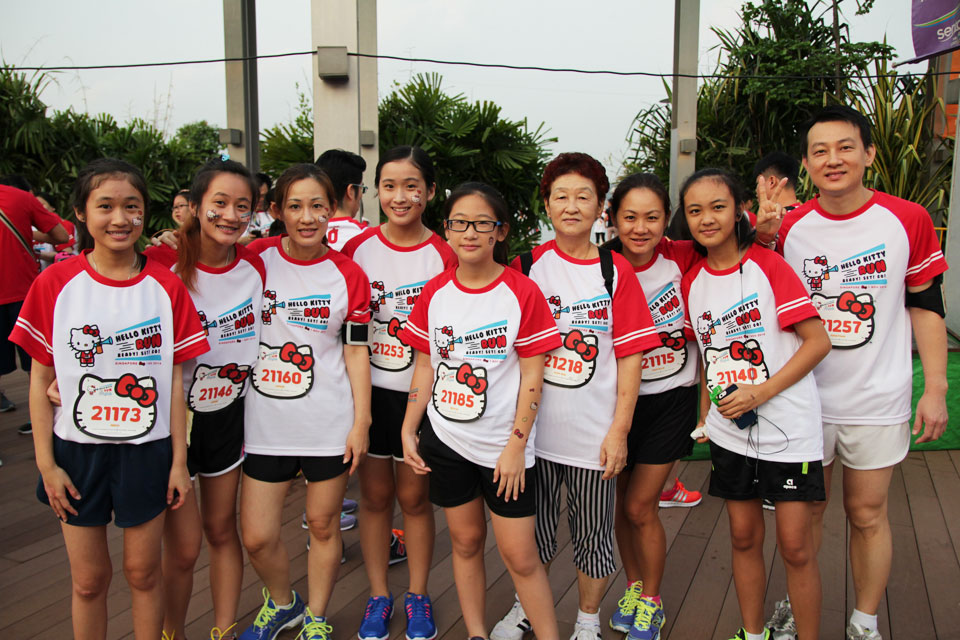 Hello Kitty Night Run Singapore: Celebrate Christmas with Hello Kitty