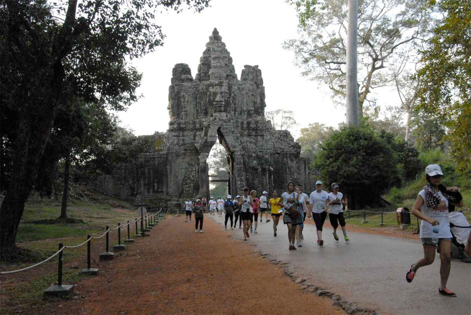Angkor Wat International Half Marathon 2015: Giving Courage and Hope in Cambodia