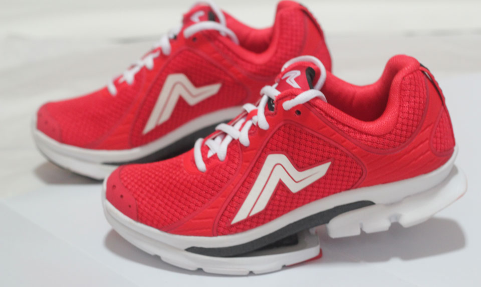 Ampla Fly Women's Red: I Knew I Wasn't in Kansas Any More!