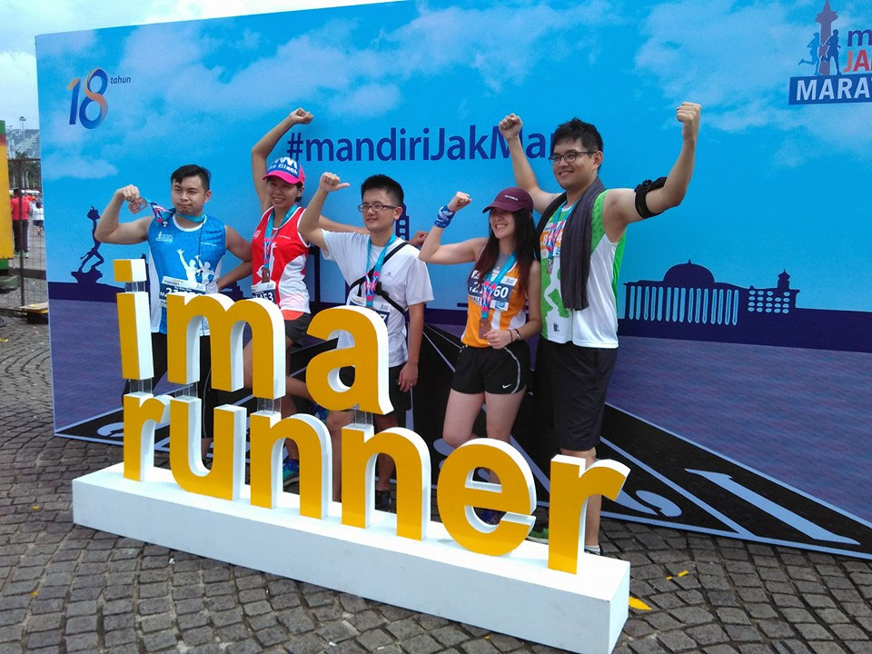 Jakarta Marathon 2016: Rain Could Not Deter 16,000 Runners to Race to the Finish Line
