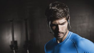 "Need a Coach That Won't Let You Slack Off? ""Hire"" the Jabra Sport Coach SE"