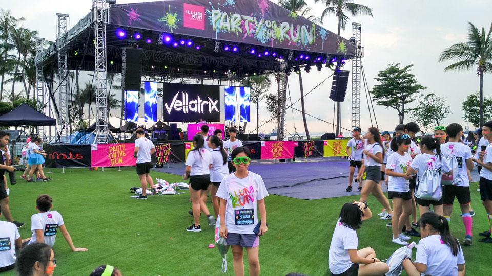 Illumi Run 2016: Run, Jump, Sing and Dance Your Heart Out