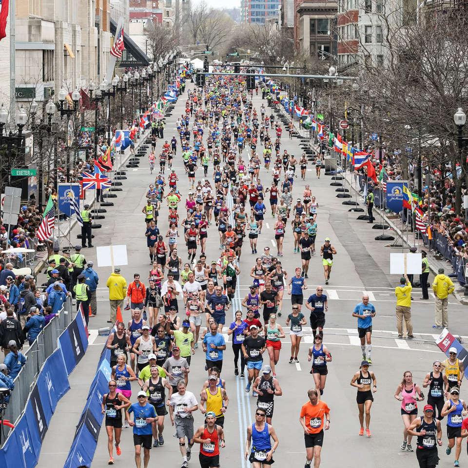 Why We Keep Signing Up for Marathons