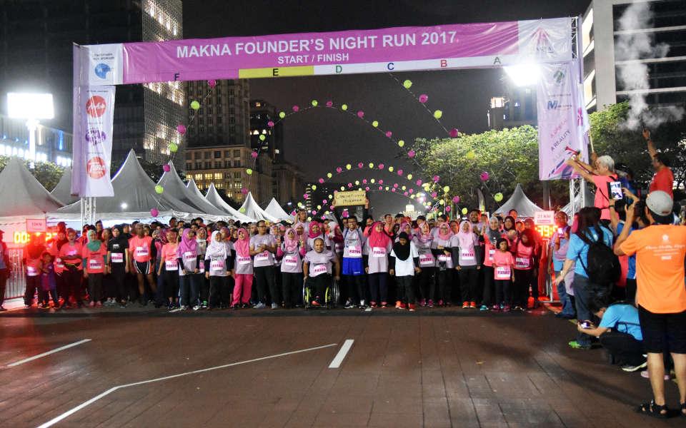 A-Running-Legacy-MAKNA-Founder's-Night-Run-2017