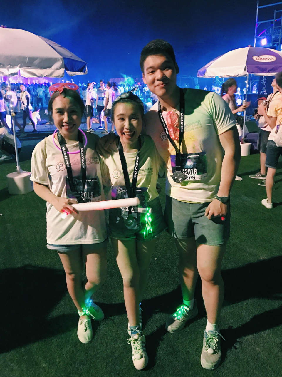 Skechers-Blacklight-Run-2017-Race-Review-We-Had-A-Glowing-Good-Time-6