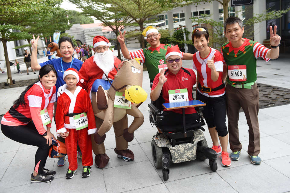 Santa Run for Wishes 2017: Santa Claus and Elves Raised $500,000 for Charity