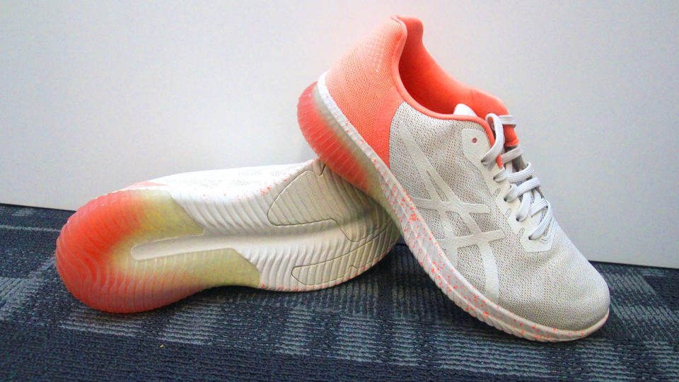 Go all out this Sakura Season with ASICS's Latest Sakura Collection!