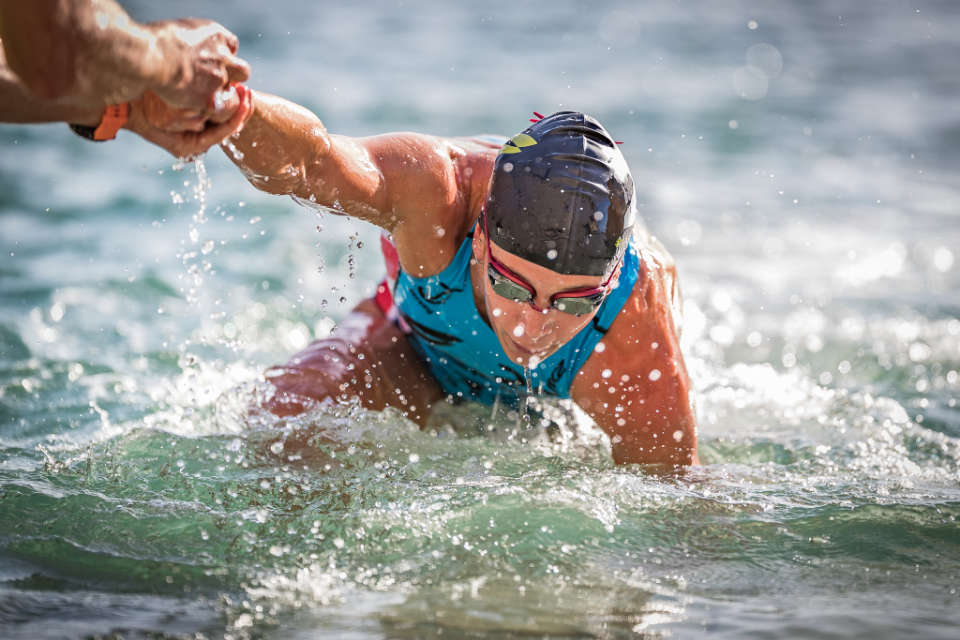 World's Top Triathletes Battle Out in Grand Finale of Super League Triathlon in Singapore